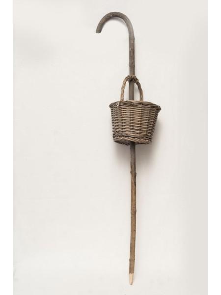Корзина плетеная на штекере 27 х 19 х 9,5 см  131179