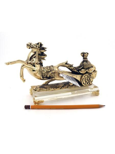 9091 Лошадь с сокровищами на подставке