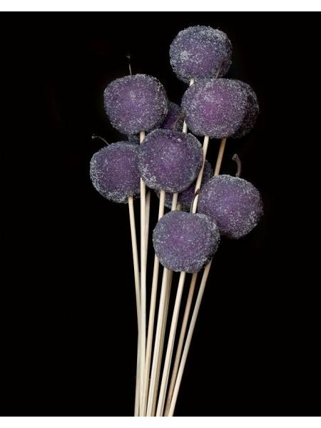 Яблоко в сахаре на штекере декор пурпурное