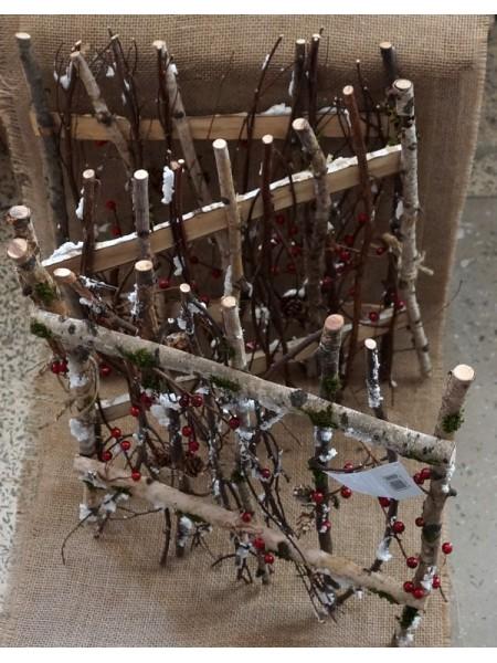 Забор из веток березы с зимним декором  40 х 48 см