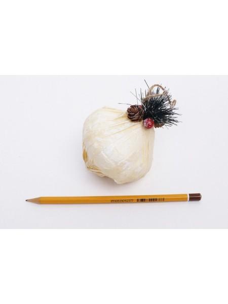 Елочное украшение Капля с веточкой цена за 1шт 7 см цвет белый